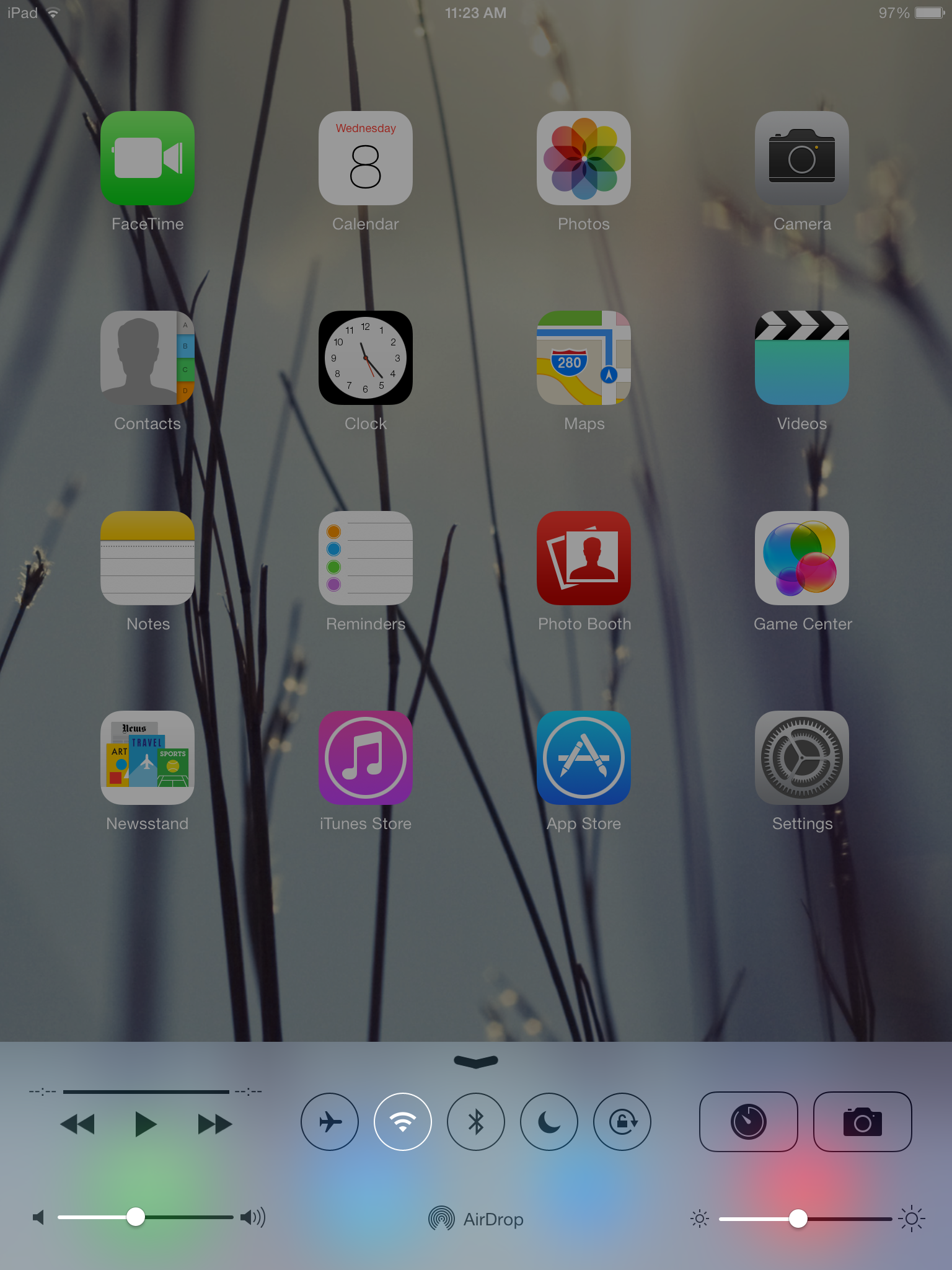 The iOS 7 Control Center features the same transparencies as the notification menu.