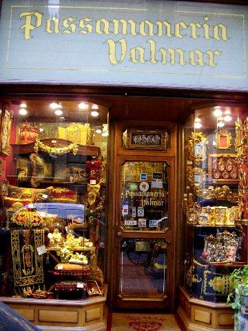 Extraordinary trims at Valimar, a Florentine Tradition