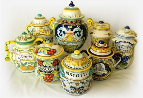 Our day in the Oltrarno Artisan District will include a stop at one of the best pottery shops, where you can shop for a colorful addition to your kitchen.