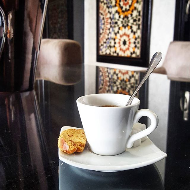No better way to start the day👌 Coffee with a Moroccan cookie and view. #travelandlife #rituals #diwantraveler #discovermorocco #discovercasablanca #morocco #casablanca #hotelstuff