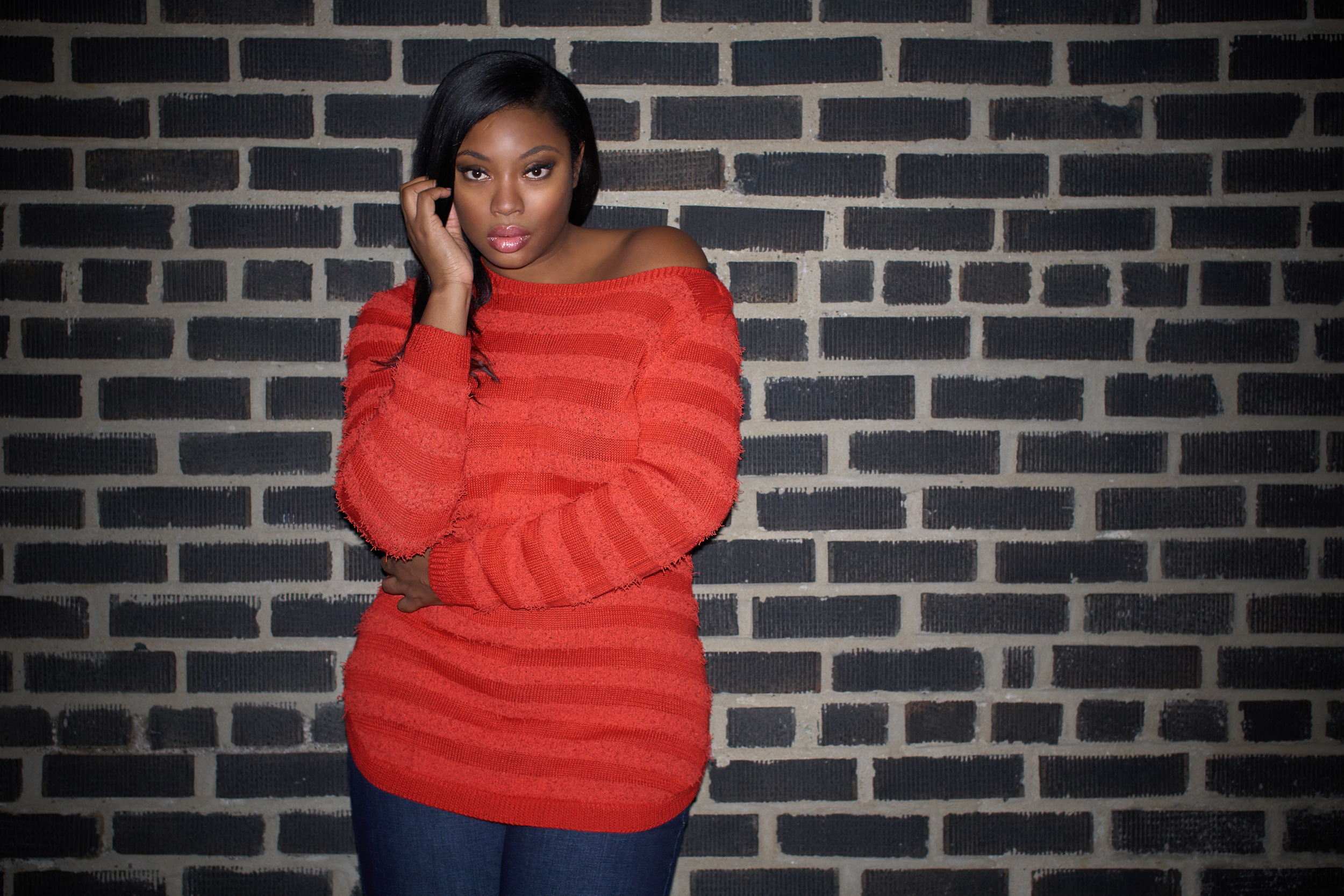 "Liris stopped in!!!   ...and why do we love Liris???  I remember first seeing Liris in the 90's, maybe '98 or '99 and thinking ""where do they find these women?  She was a really tall beautiful woman who kinda seemed unreal. We have always had mutual acquaintances but hadn't met in person.  So I only had previous experiences with other people that fit her ""description"" (acting like tools).  since that time, I have literally seen Liris all over the place. Campaigns, Television, Movies, etc. and one would think that this kind of success would go to the head. This is what separates Liris from others.  The more we talk... the more I realize that she does not even know that she is a frikkin Supermodel.  She is aware of her job and that she is really good at it, but as far as forgetting where she is from... Not one bit.  Her 'Life of a Working Model' series (boot camps and instructional intensives) help people from all walks of life get an insight to  what makes a woman a model .  She does it with the models in mind.  It is NOT a scam where she is just looking to get money.  She is genuinely looking to help people.  Like Tyra... Like Naomi!! Of plus sized modeling, she IS Naomi, and still... I recently saw her do a friend a favor and walk in her show.  That is dope.  That is inspirational!  Isn't that the reason for models?       mod·el   ˈmädl/        a system or thing used as an example to follow or imitate.      I think that the fact that Liris pays it forward makes her one of my favorites.  The fact that you can 'Facebook' or talk to her via Instagram speaks volumes.  who else do you know that does that???   Go check her out!   http://liriscrosse.com"