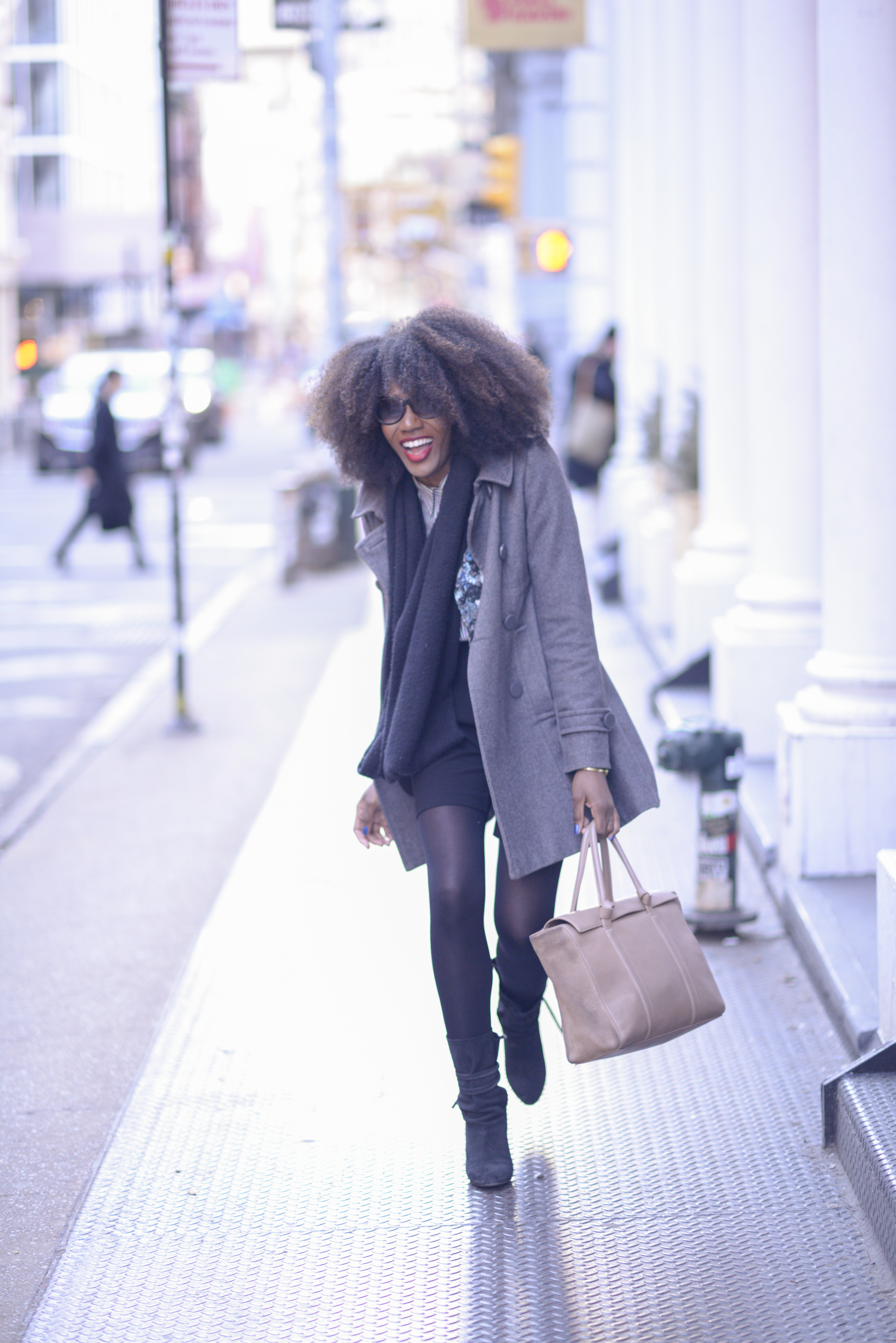 Raven is a recent import to NYC from Long Beach, Cali. Dope wardrobe stylist and has a truly dope sense of style... But her hair takes the cake! It is pretty frikkin amazing.  Check her out  HERE
