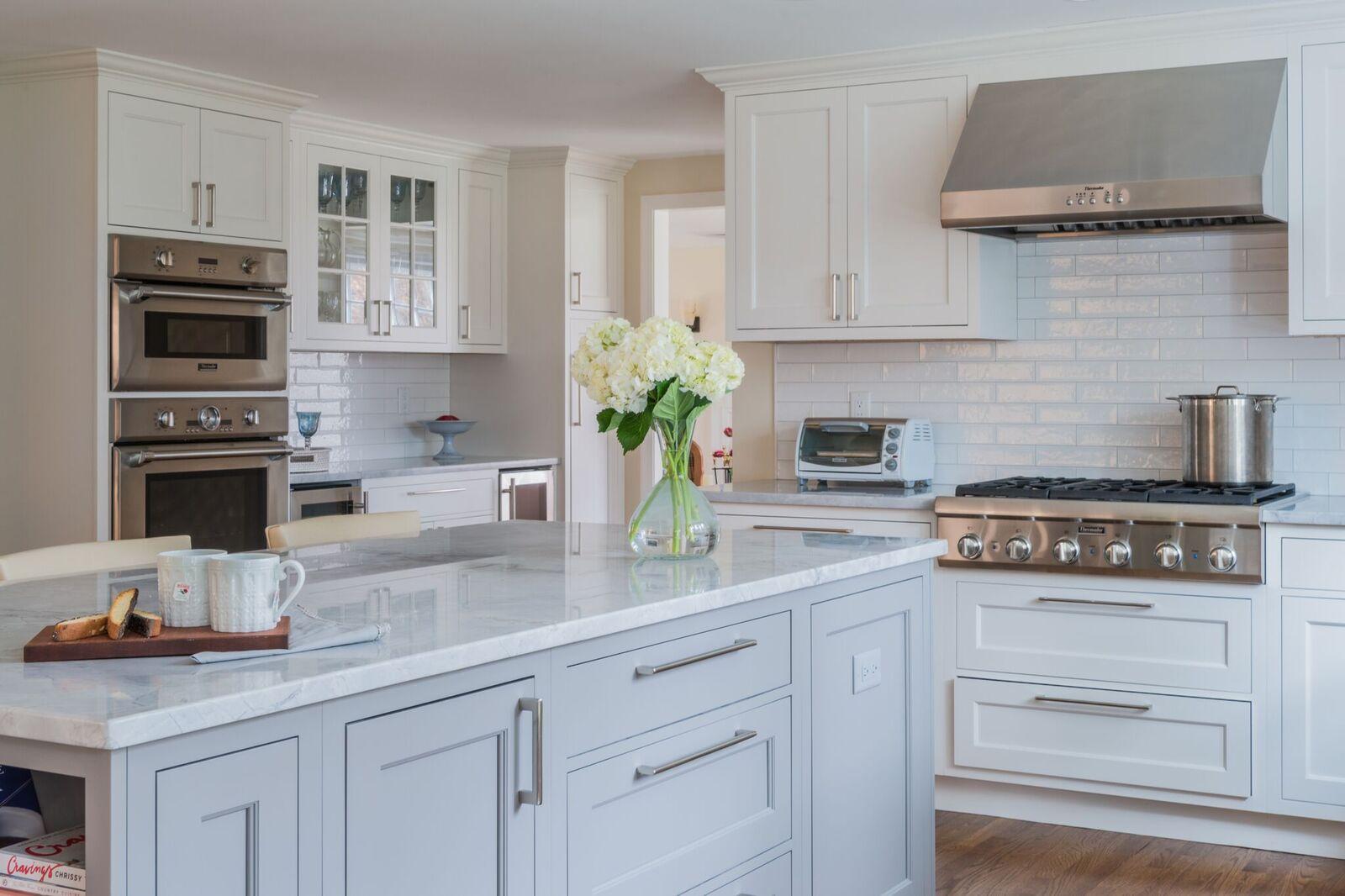 Pic 4 Kitchen stove island.jpg