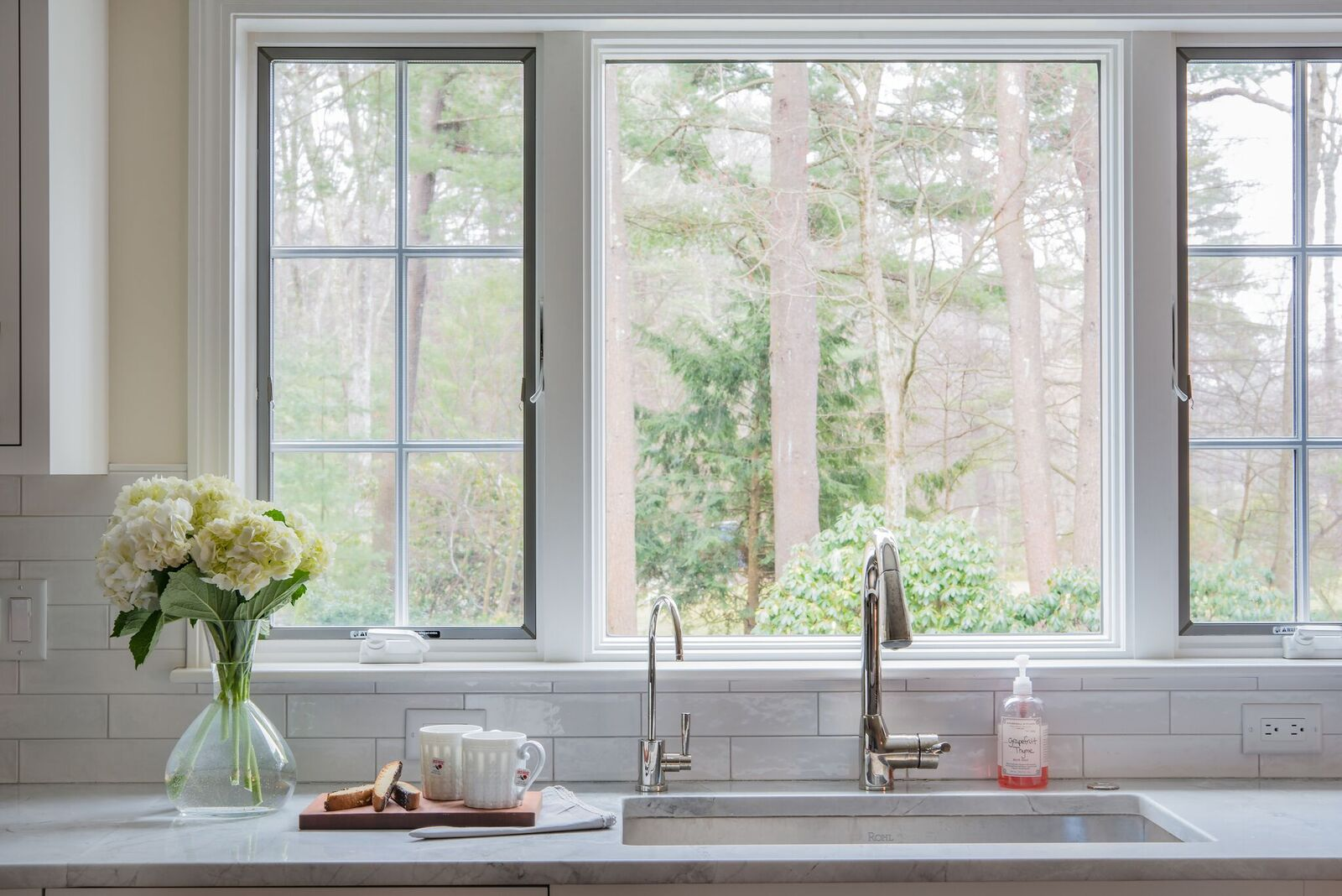 Pic 5 Kitchen window sink.jpg