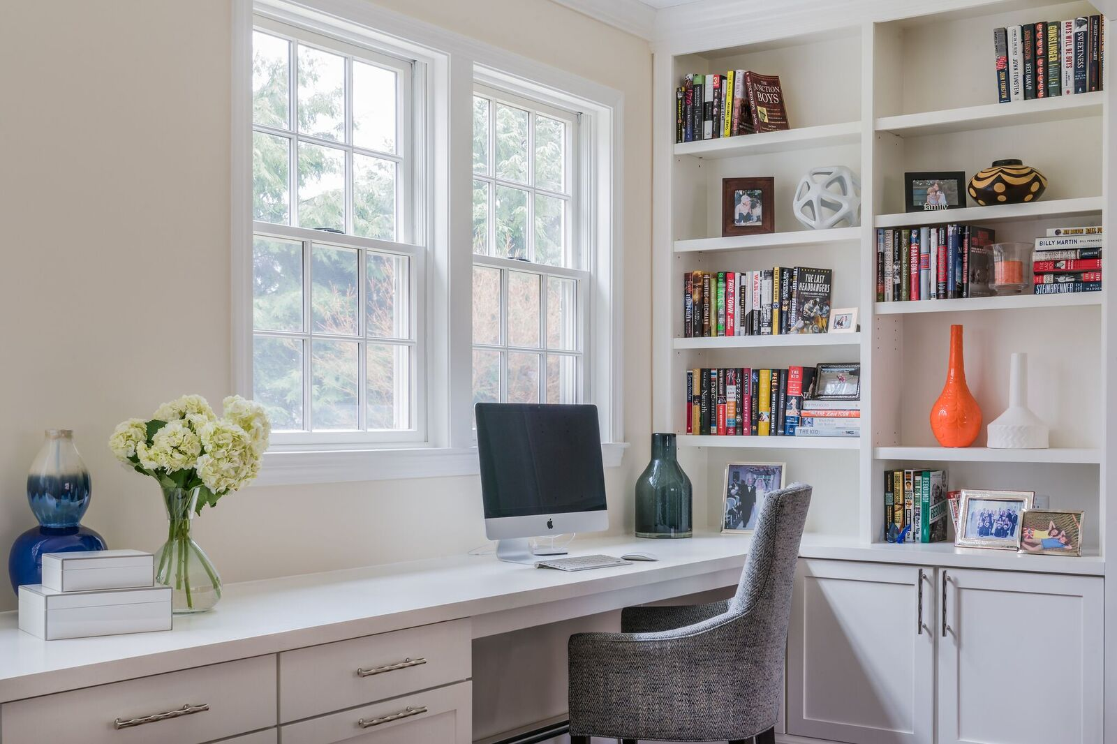 Pic 14 close up of desk corner.jpg