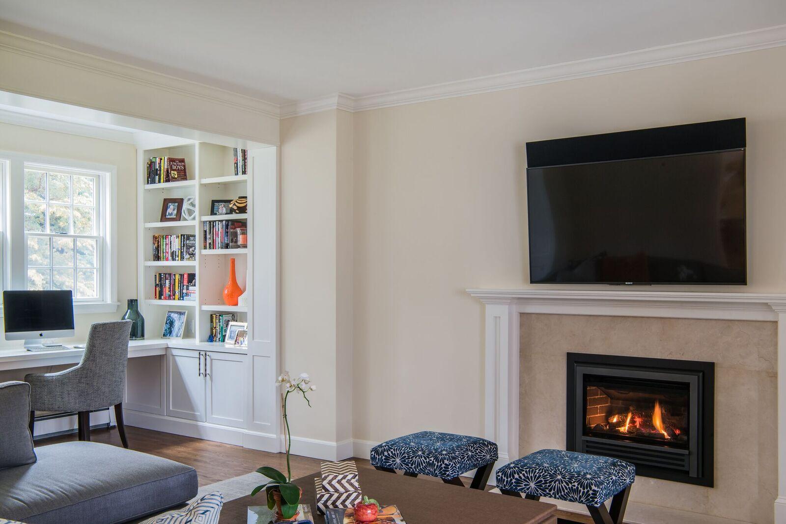 Pic 17 fireplace.jpg