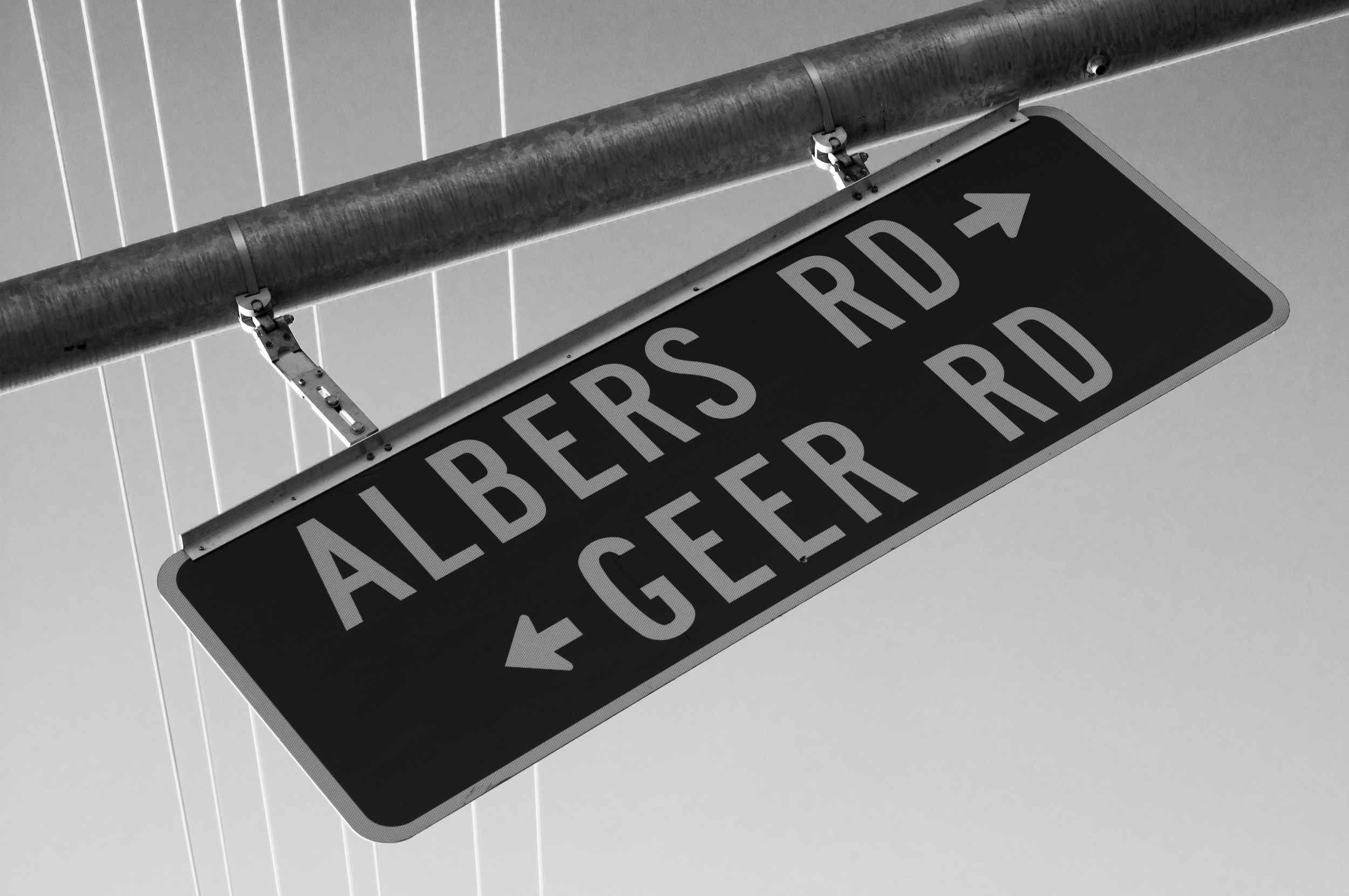 Albers Turns Into Geer