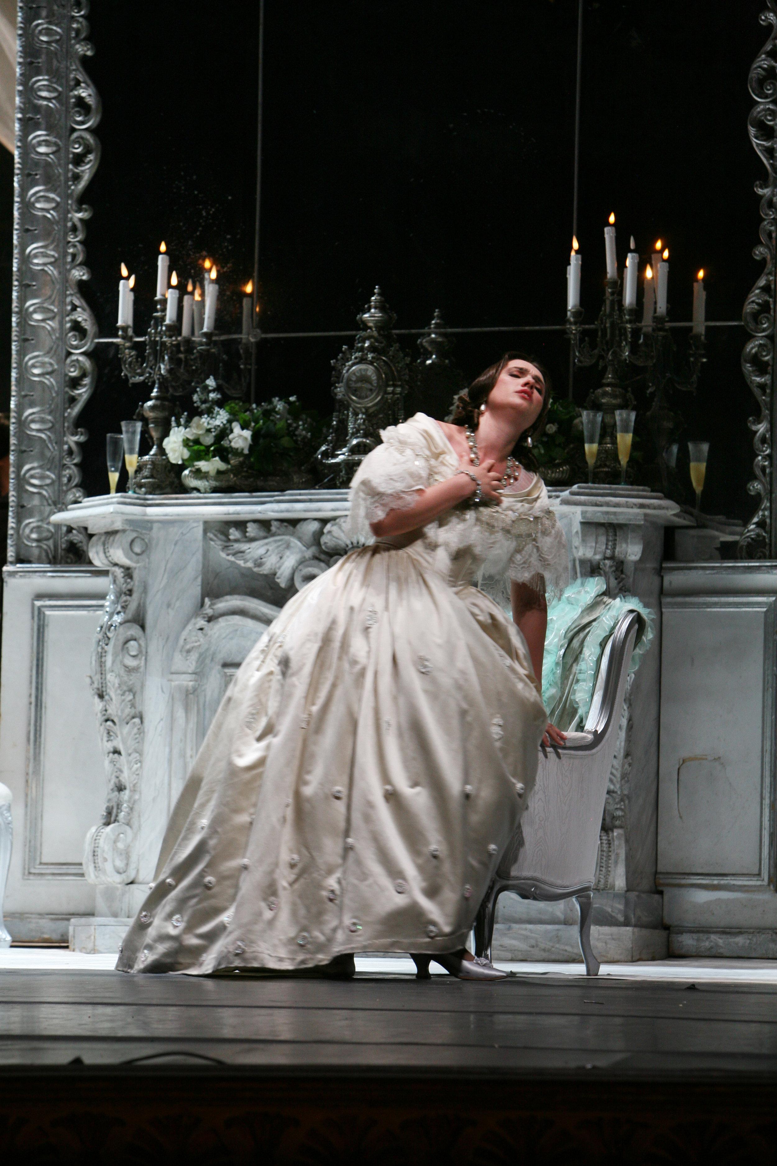 Traviata-Napoli-Ermonela Jaho3.jpg
