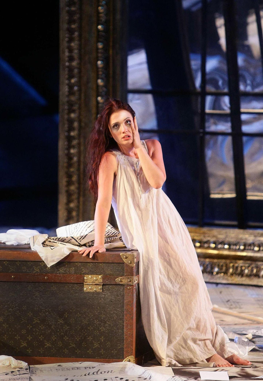 ErmonelaJaho-Traviata-Verona-Italy5.jpg