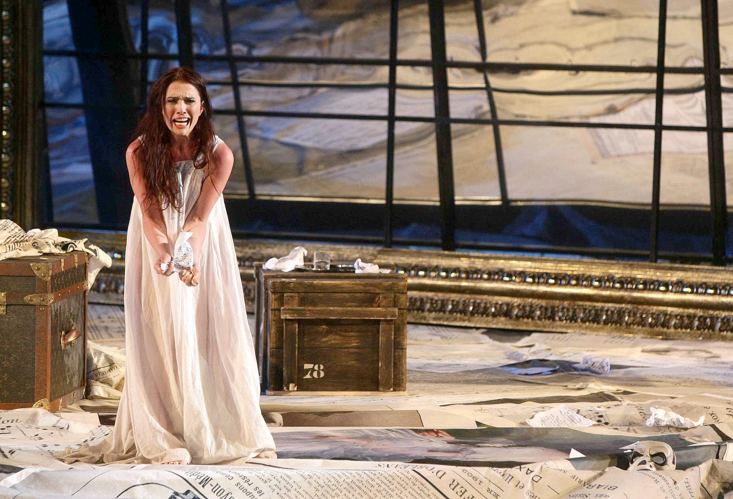 ErmonelaJaho-Traviata-Verona-Italy6.jpg