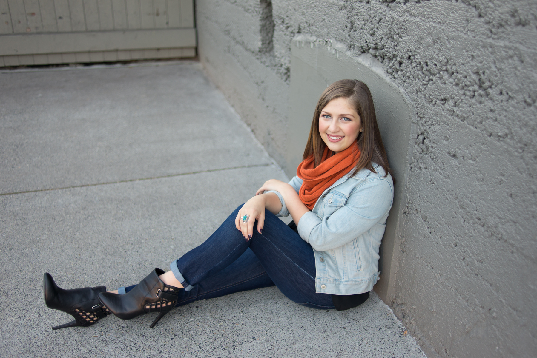 portland-oregon-senior-girl-photographer-shelley-marie-photo-urban-chic-orange-scarf-jean-jacket-professional-makeup-310.jpg