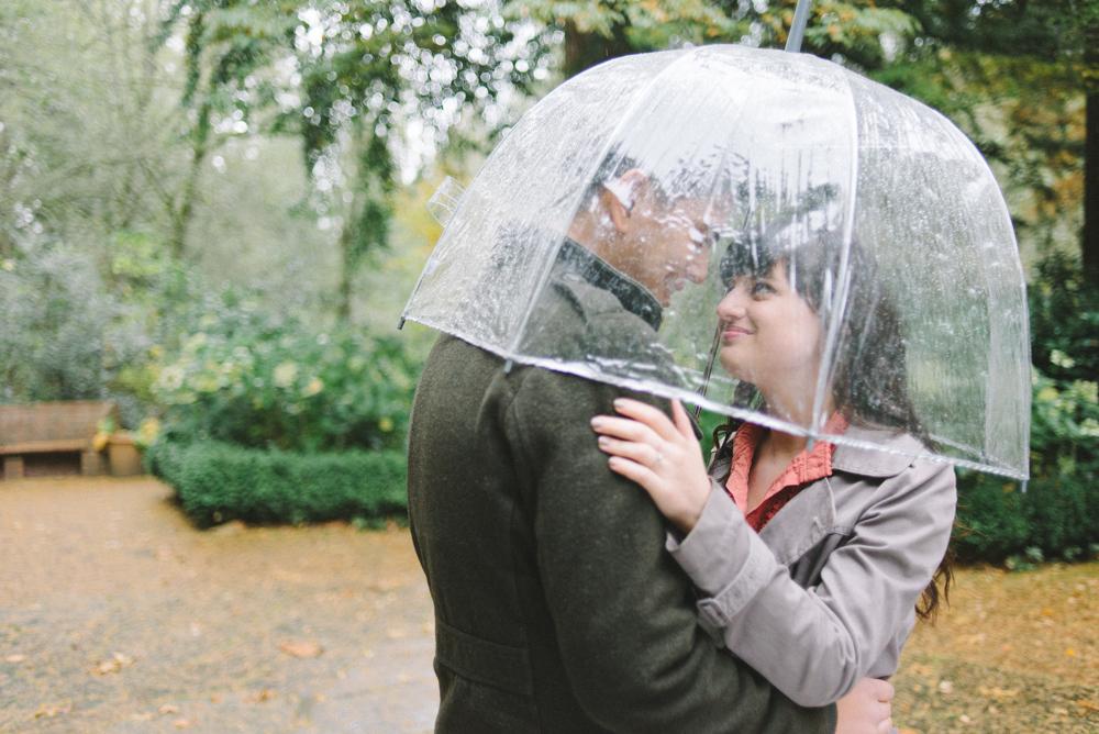 Leach-Botanical-Gardens-Couples-Photography-Rain-Umbrella-Johan-Dani_Engagement_0280.jpg