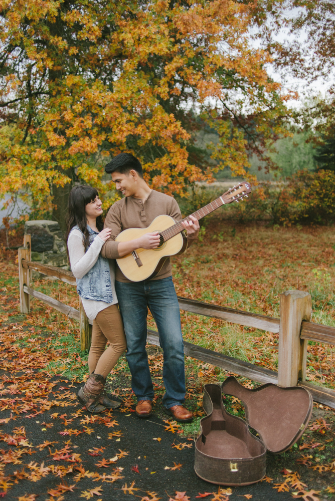 Leach-Botanical-Gardens-Couples-Photography-Guitar-Fall-Leaves-Johan-Dani_Engagement_0833.jpg