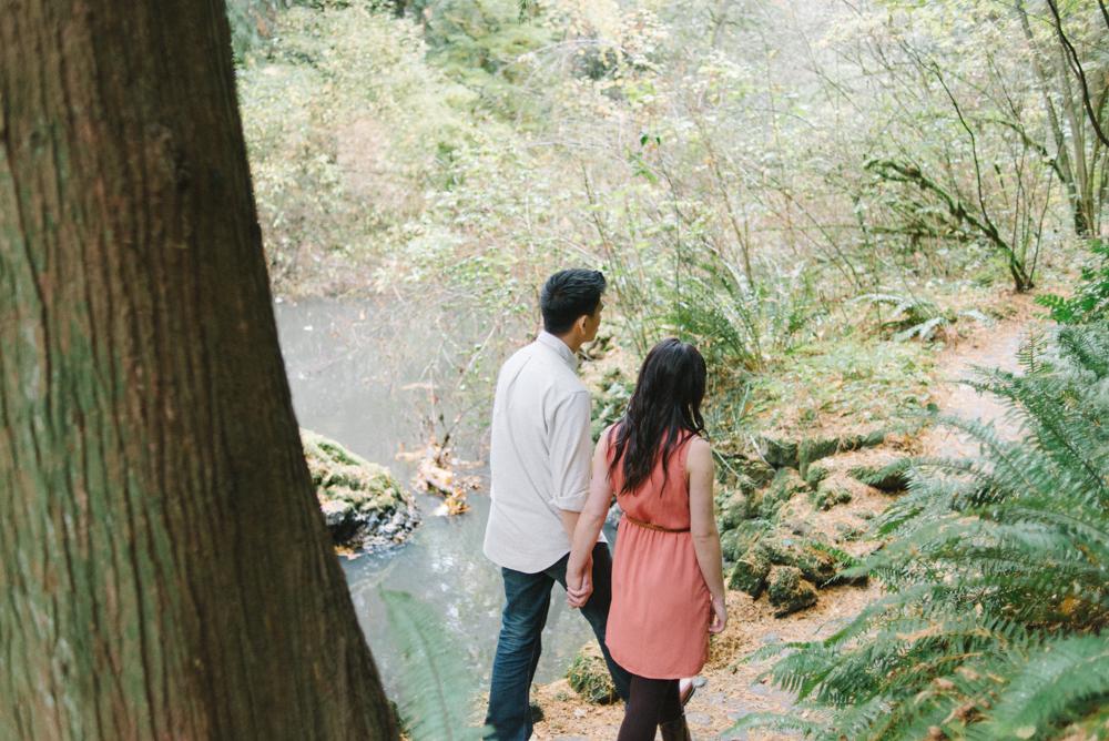 Leach-Botanical-Gardens-Couples-Photography-Walking-Holding-Hands-Johan-Dani_Engagement_0502.jpg