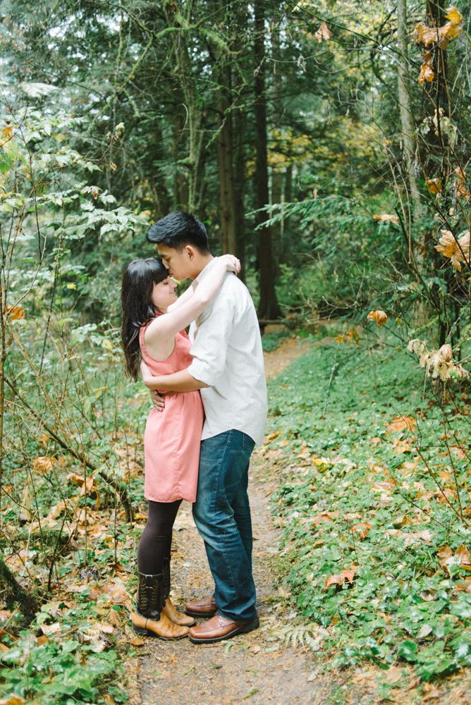 Leach-Botanical-Gardens-Couples-Photography-Kiss-Johan-Dani_Engagement_0642.jpg
