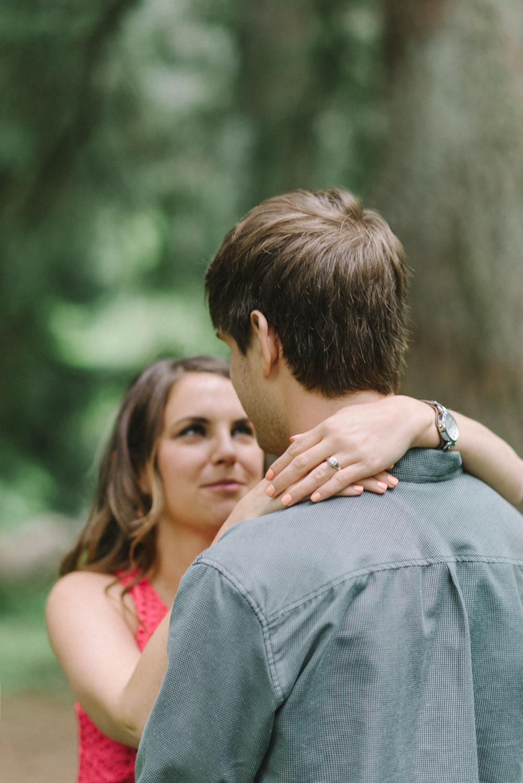 Portland-oregon-engagement-session-photographer-hoyt-arboretum-washington-park-shelley-marie-photography-forest-natural-woodland-ring-19