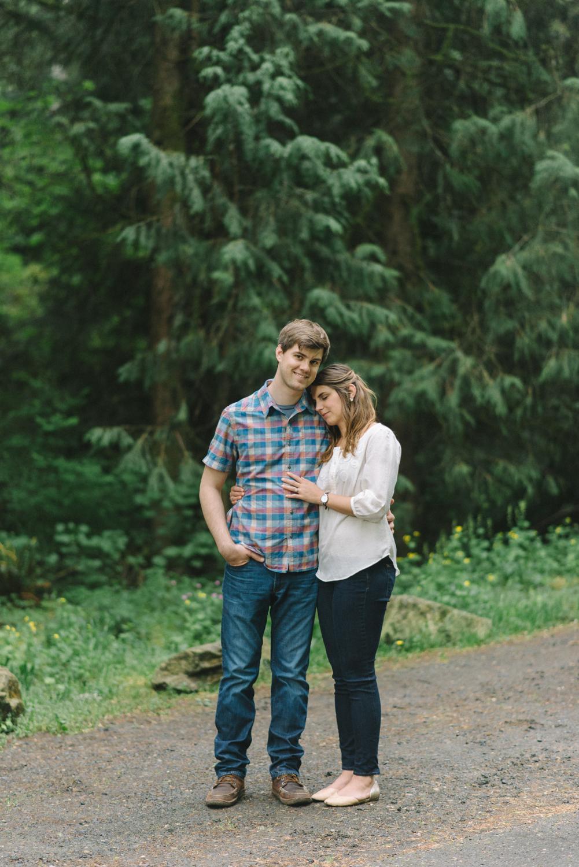 Portland-oregon-engagement-session-photographer-hoyt-arboretum-washington-park-shelley-marie-photography-forest-natural-woodland-evergreen-14