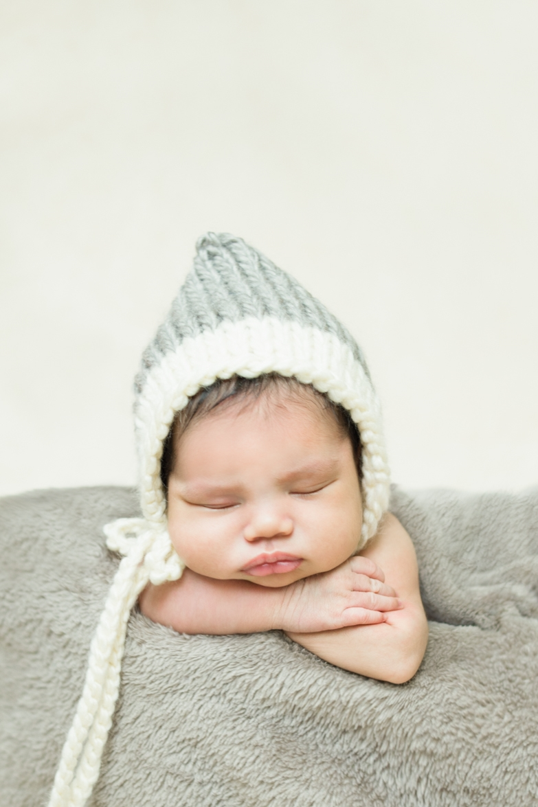 best-newborn-photographer-in-portland-oregon-cream-and-gray-baby-pixie-bonnet-shelley-marie-photo-3