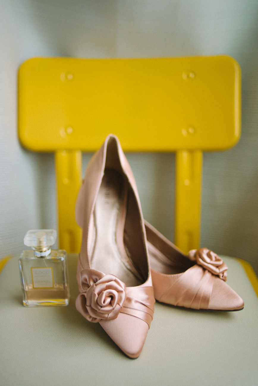 tanner-springs-park-ecotrust-building-wedding-shoes-pink-yellow-portland-oregon-shelley-marie-photo