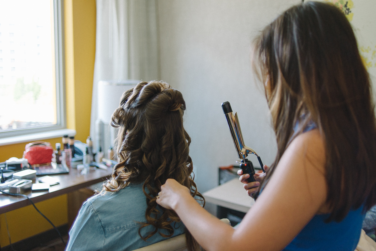 tanner-springs-park-ecotrust-building-wedding-hair-curly-portland-oregon-shelley-marie-photo