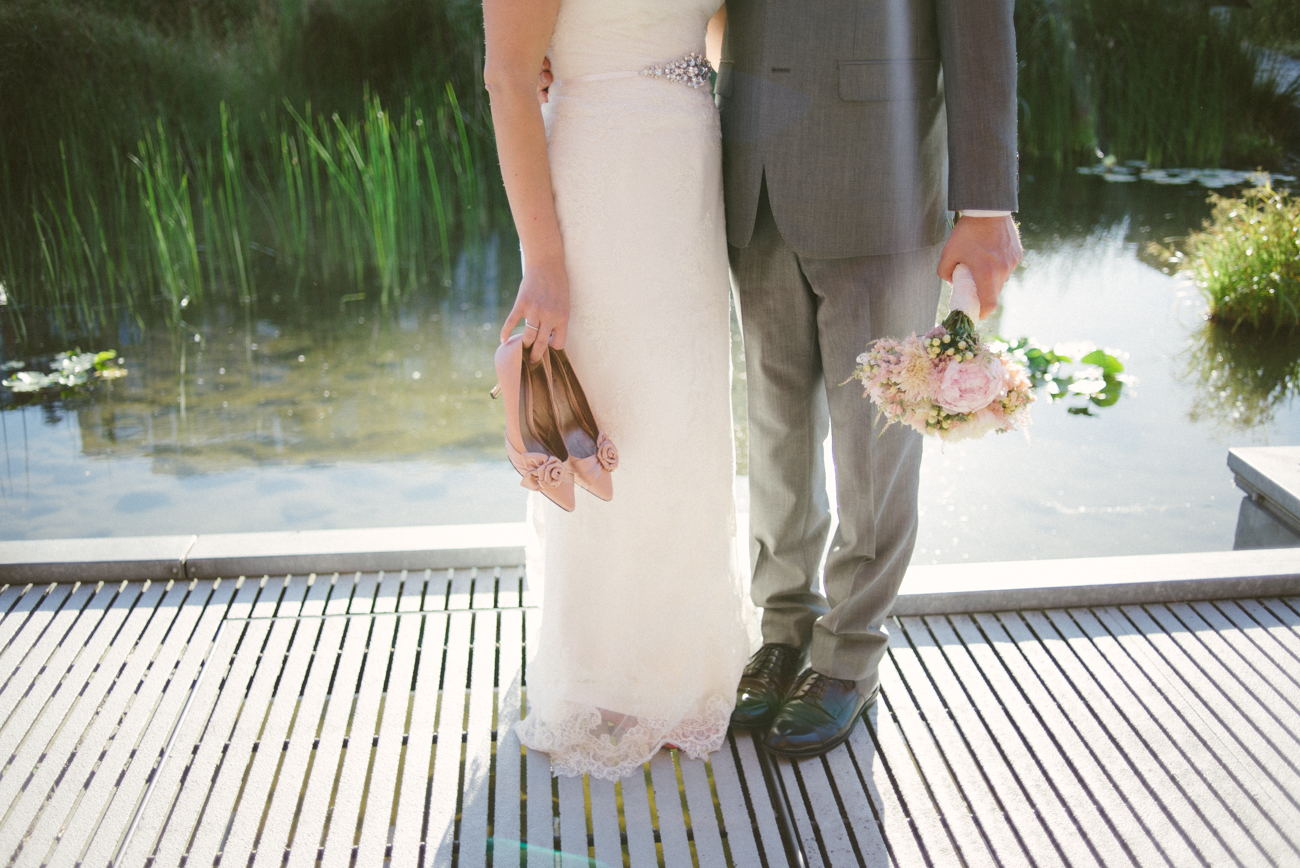tanner-springs-park-ecotrust-building-pink-wedding-shoes-bouquet-portland-oregon-shelley-marie-photo