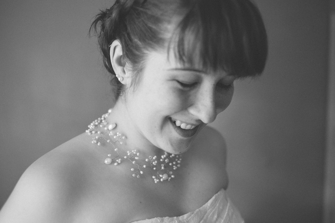 Dorris-Ranch-Wedding-Springfield-Oregon-bride-getting-ready-Shelley-Marie-Photo-1