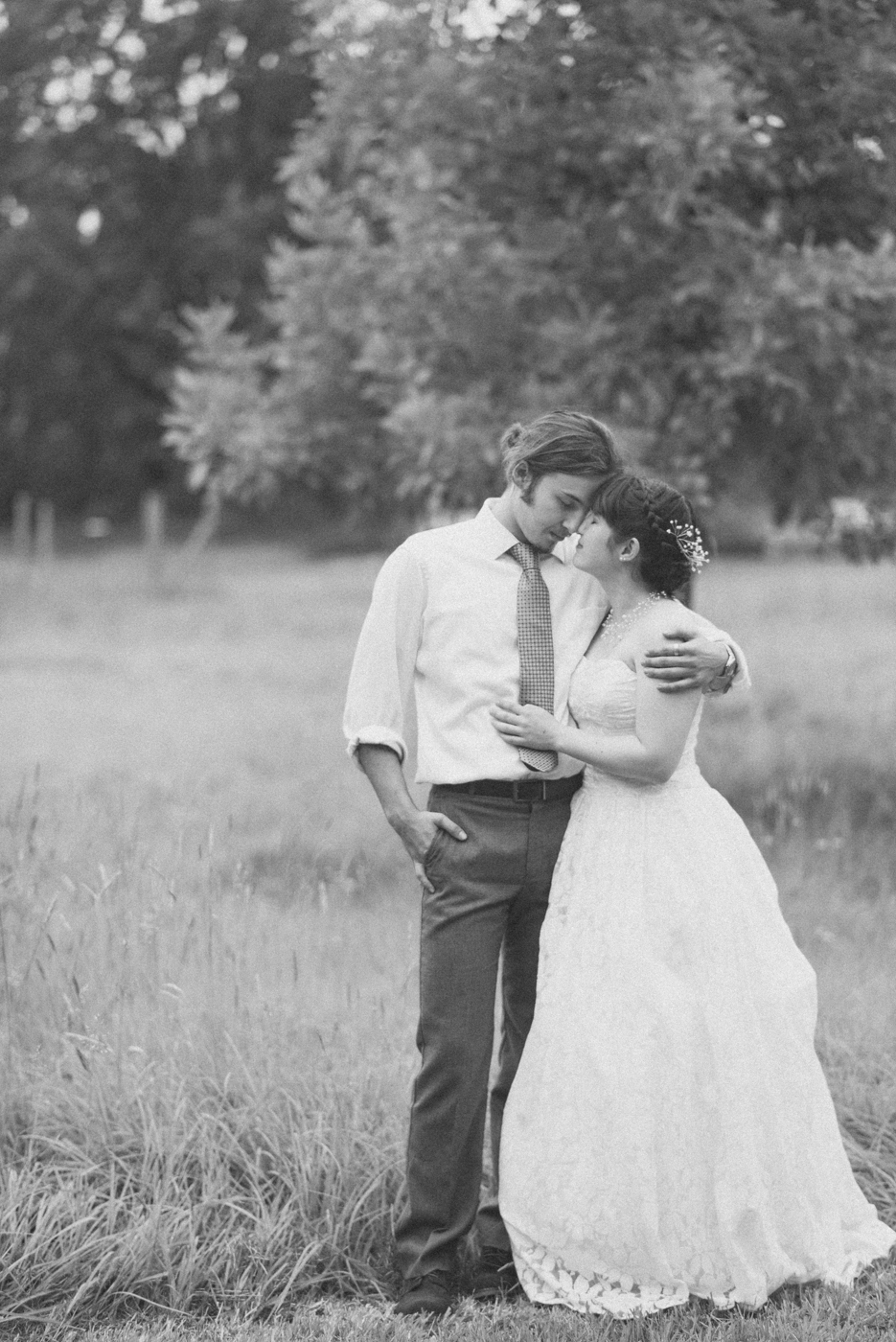 Dorris-Ranch-Bride-and-Groom-Couples-Photos-Springfield-Oregon-Shelley-Marie-Photo-1