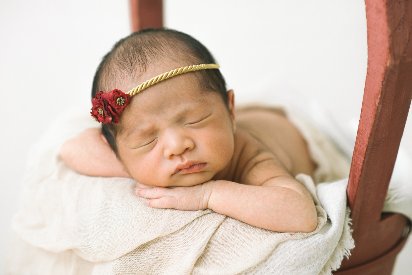 Best-Portland-Oregon-Newborn-photography-Sleeping-Baby-Maternity-Photography-red-gold-flower-headband-basket-bucket-Shelley-Marie-Photography.jpg