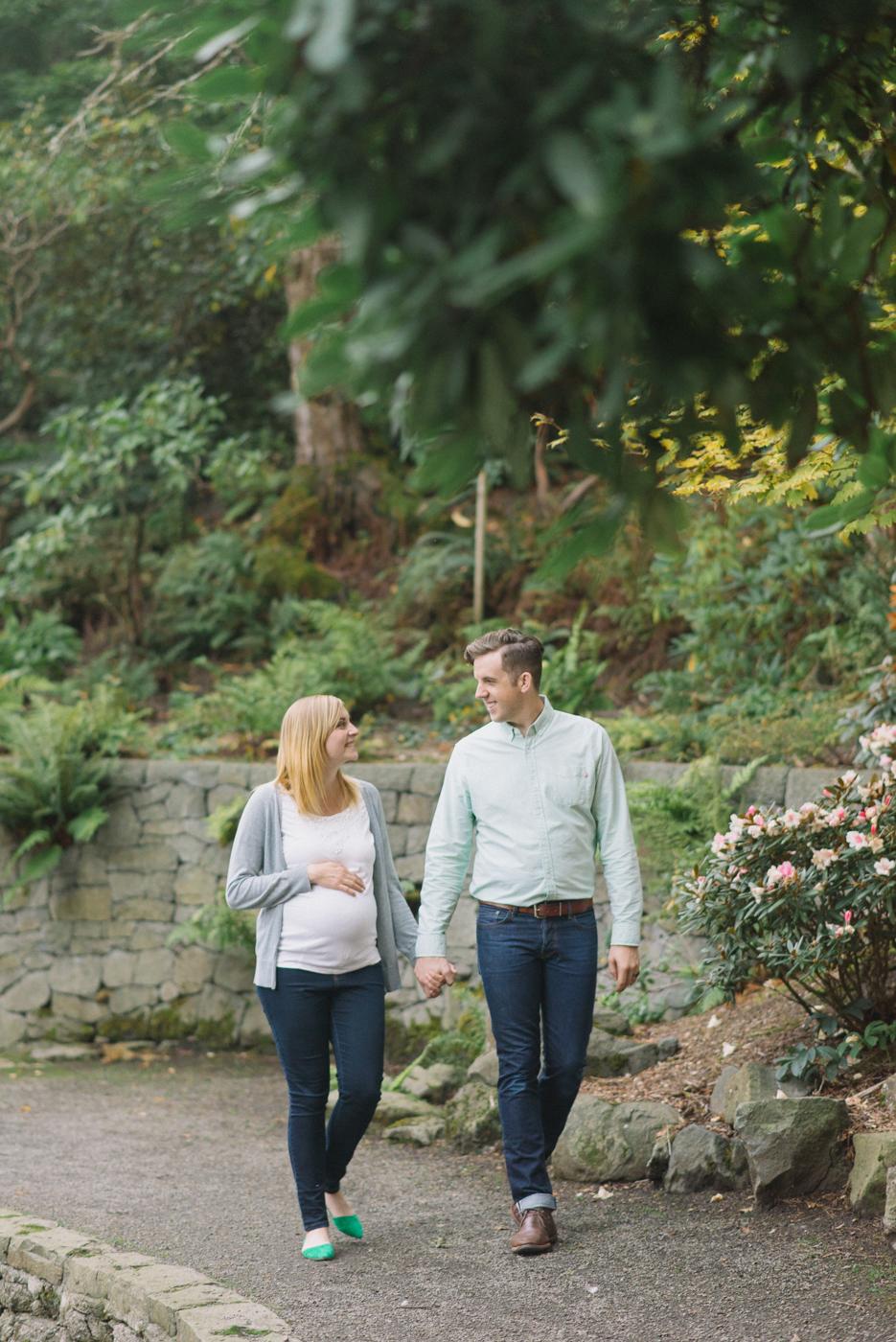 portland-oregon-maternity-photography-pregnancy-crystal-springs-rhododendron-garden-walking-sweet-romantic-shelley-marie-photo-1