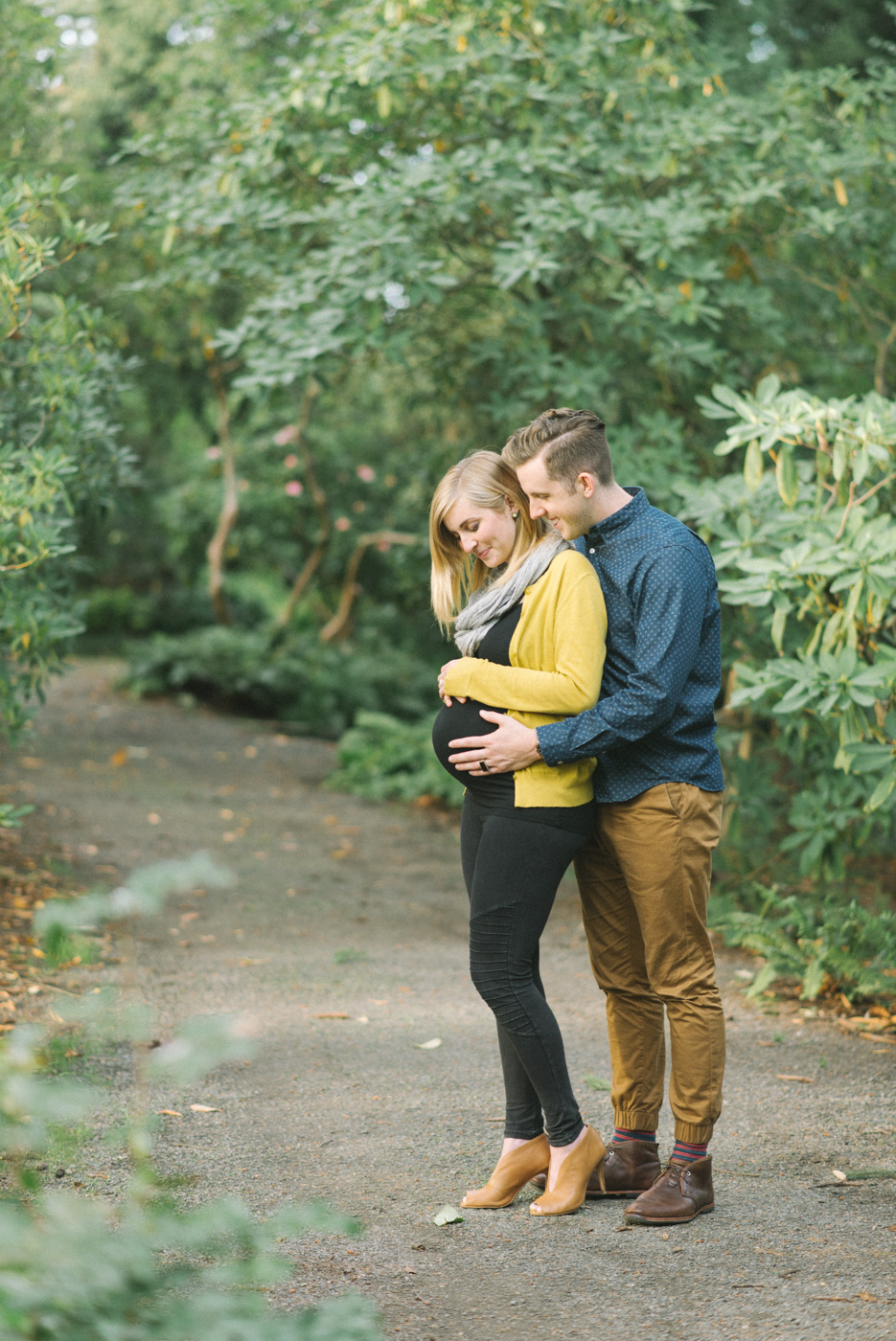 portland-oregon-maternity-photography-pregnancy-crystal-springs-rhododendron-garden-sweet-romantic-shelley-marie-photo-1