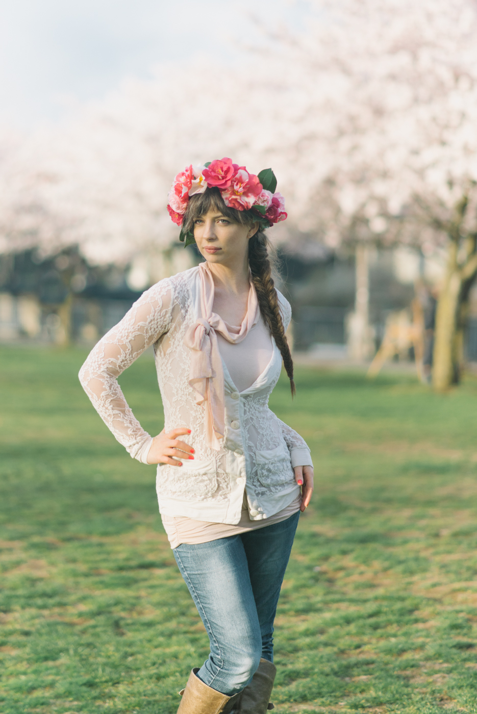 Portland-Oregon-Senior-Portrait-Photographer-Waterfront-pink-cherry-blossoms-Nature-Natural-Light-Shelley-Marie-Photography-1.jpg