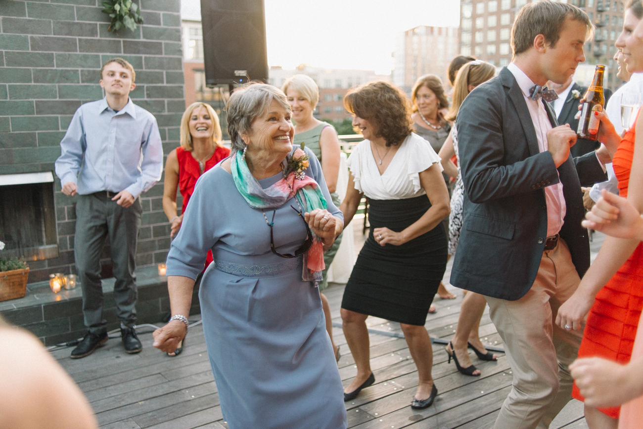 Portland-Oregon-Wedding-photographer-ecotrust-building-terrace-grandma-dancing-shelley-marie-photography-6