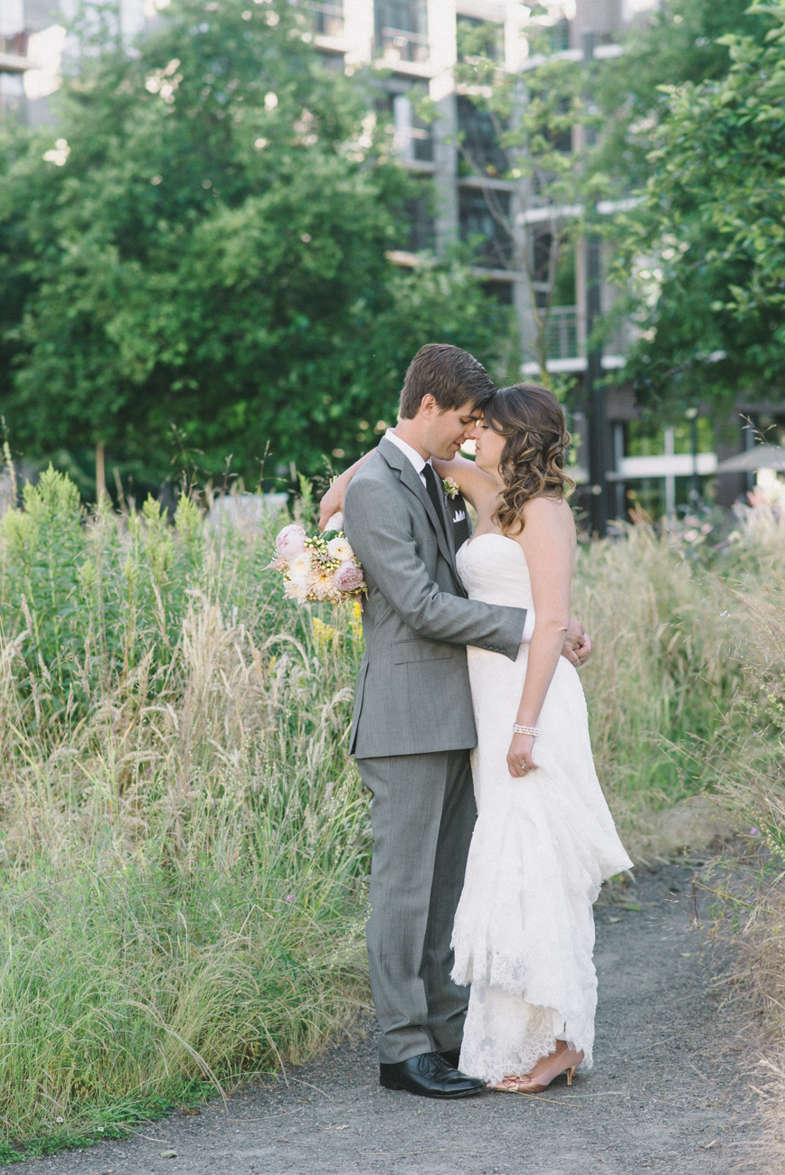 Portland-Oregon-Wedding-photographer-ecotrust-building-tanner-springs-park-bride-and-groom-portrait-shelley-marie-photography-3