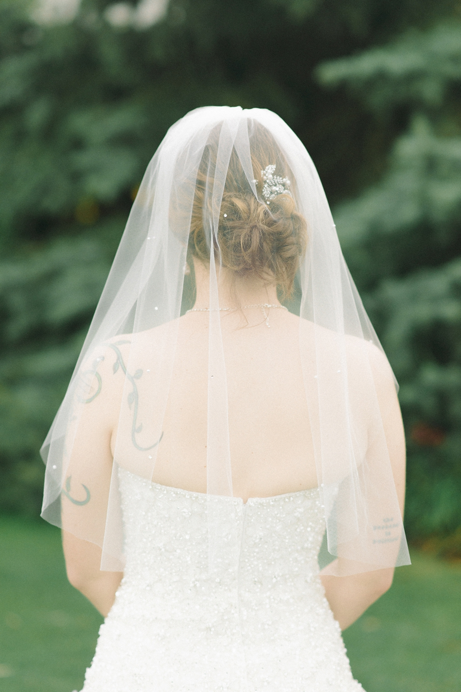Portland-Oregon-Wedding-photographer-mcmenamins-edgefield-veil-shelley-marie-photography-2