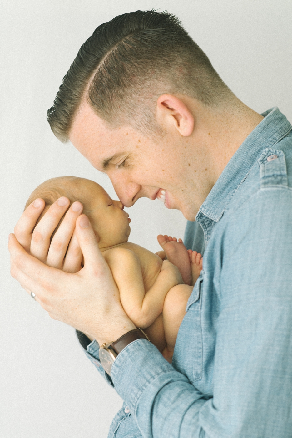 portland-oregon-newborn-photographer-shelley-marie-photo-father-and-son-baby-boy-photography-session-8