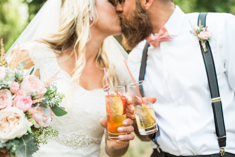 portland-oregon-wedding-DIY-vintage-backyard-rustic-signature-drinks-shelley-marie-photo-1