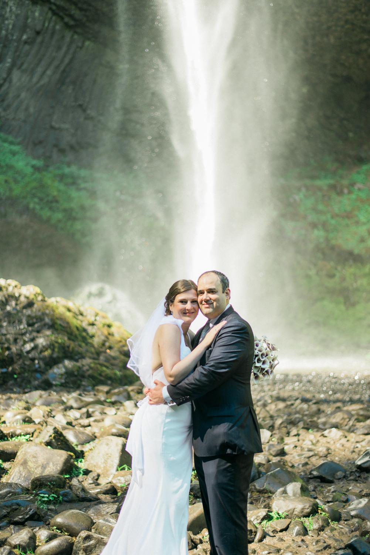 latourell-falls-waterfall-wedding-columbia-river-gorge-portland-oregon-shelley-marie-photo-1