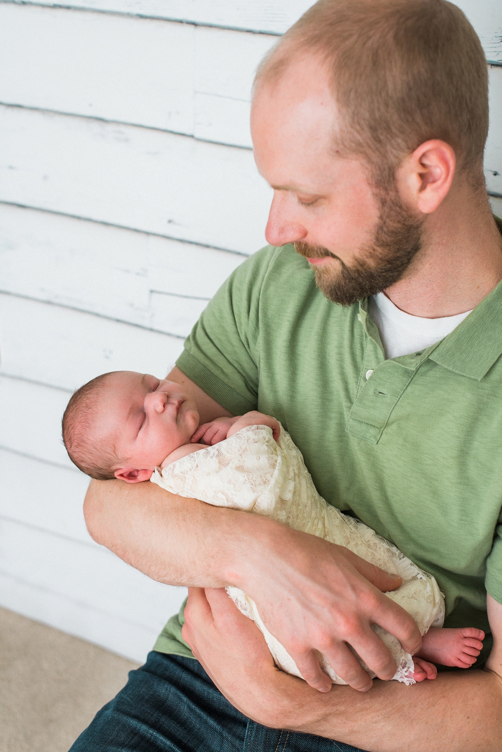 portland-newborn-photographer-baby-girl-with-dad-07