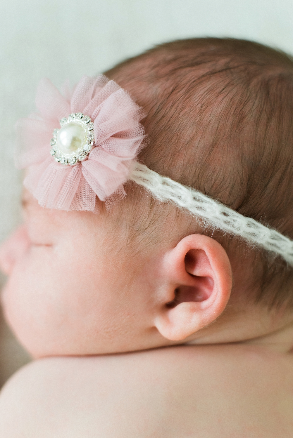 portland-newborn-photographer-baby-girl-pink-tutu-headband-03