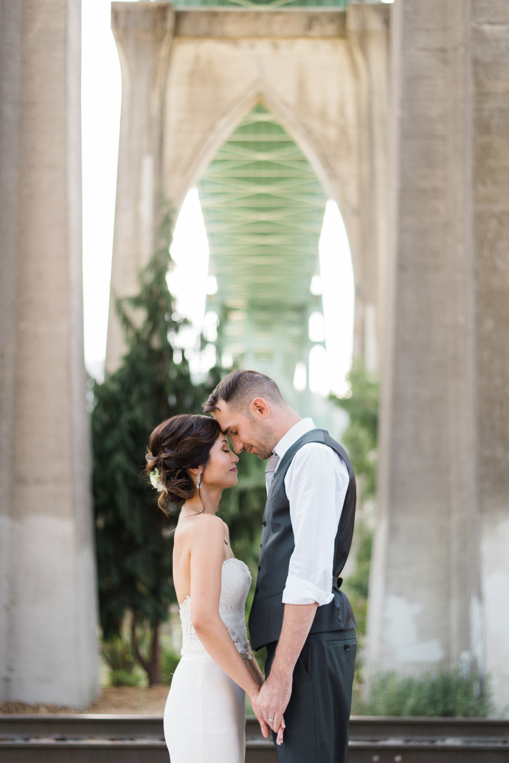 cathedral-park-wedding-st-johns-bridge-portland-shelley-marie-photo-3.jpg