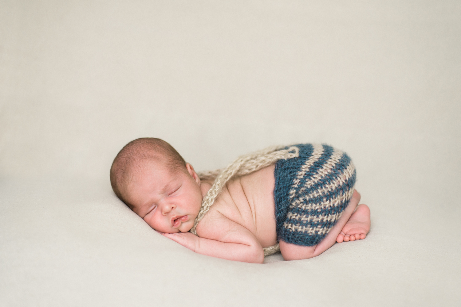 portland-newborn-baby-photography-peter-rabbit-knit-overalls-1.jpg
