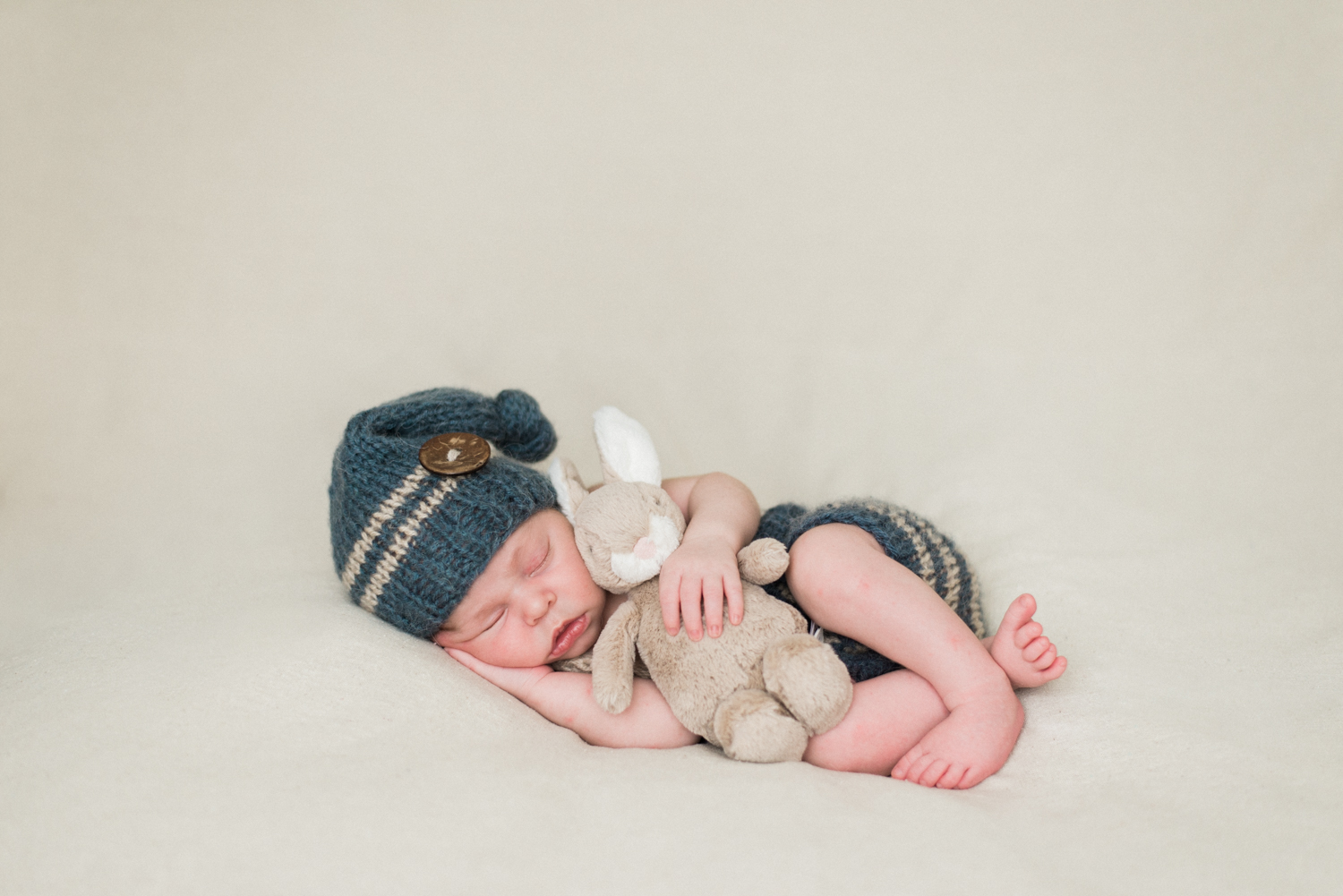 portland-newborn-baby-photography-peter-rabbit-bunny-knit-overalls-hat-1.jpg