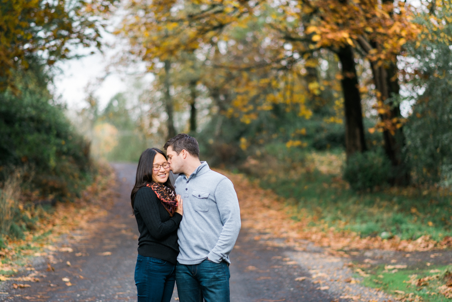 portland-engagement-columbia-river-gorge-latourell-waterfall-autumn-fall-crown-point-shelley-marie-photo-17.jpg