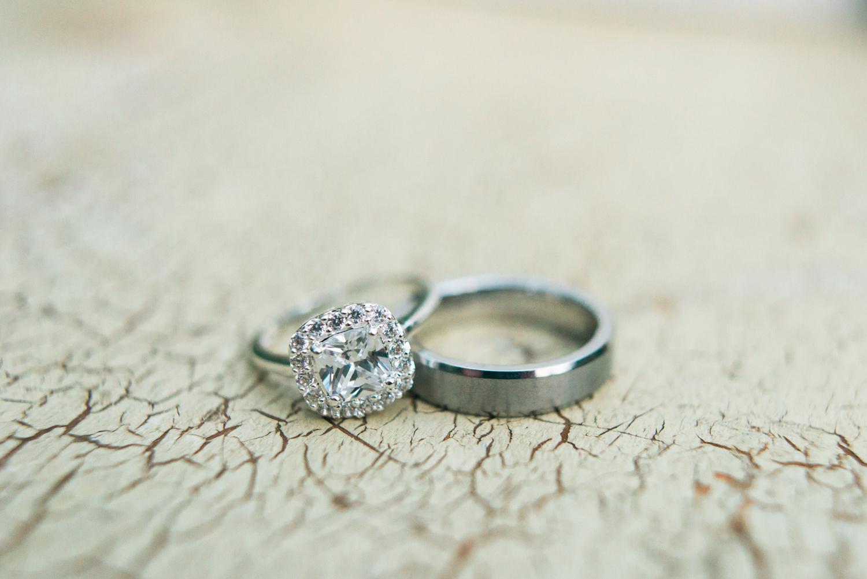 portland-oregon-wedding-rings-shelley-marie-photo-1.jpg