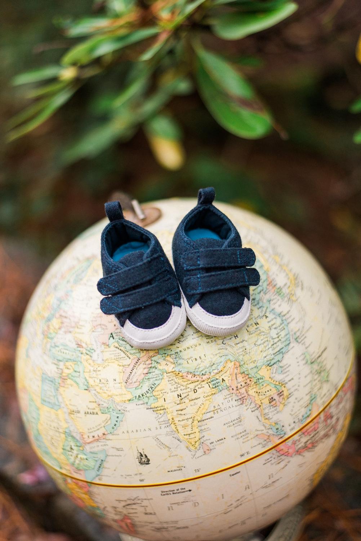 portland-maternity-newborn-baby-shoes-world-globe.jpg