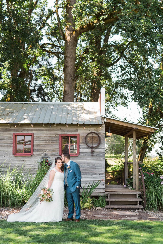 postlewaits-barn-wedding-portland-canby-oregon-jena-patrick-0459.jpg