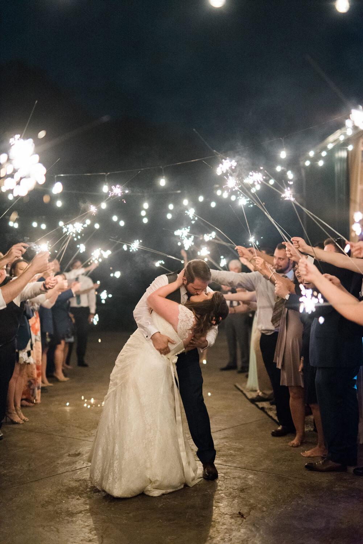 postlewaits-barn-wedding-portland-canby-oregon-jena-patrick-2746.jpg