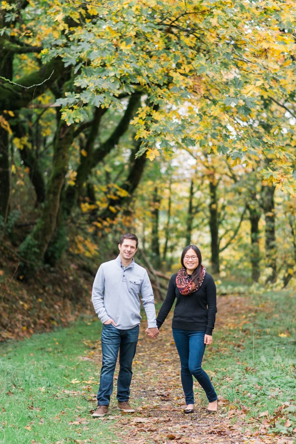 portland-engagement-colubia-river-gorge-latourell-waterfall-autumn-fall-crown-point-shelley-marie-photo-10_cr.jpg
