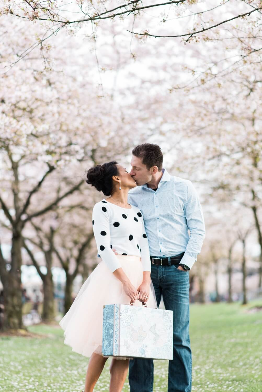 portland-waterfront-engagement-cherry-blossom-cathedral-park-sokhorn-jay-110_cr.jpg