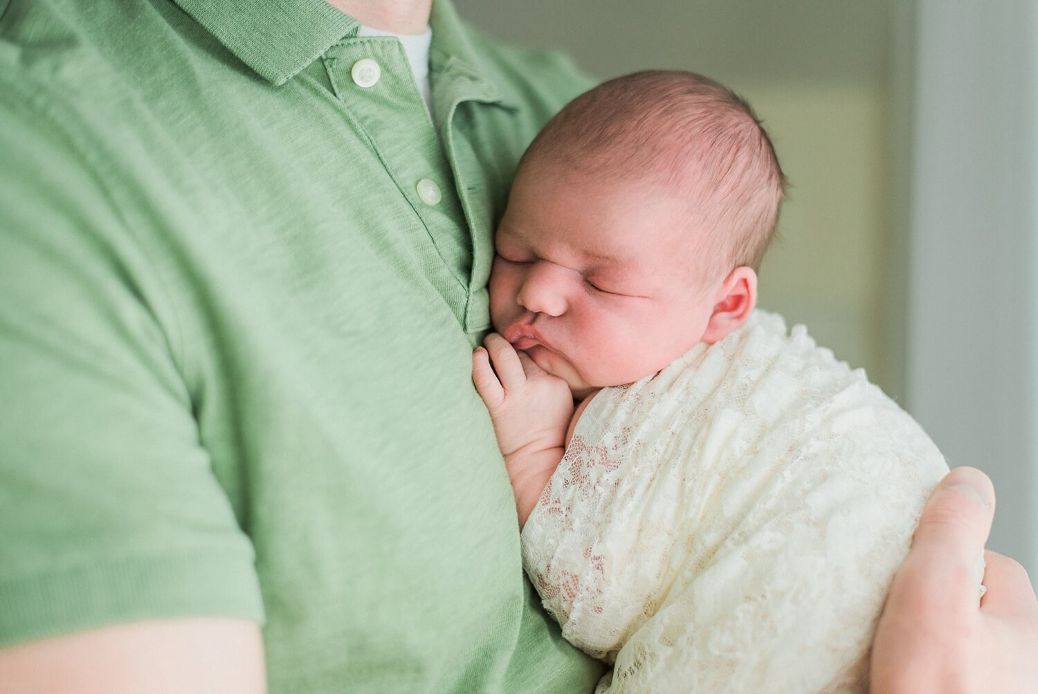 best-portland-oregon-newborn-photographer-dad-and-baby-shelley-marie-photo-9.jpg